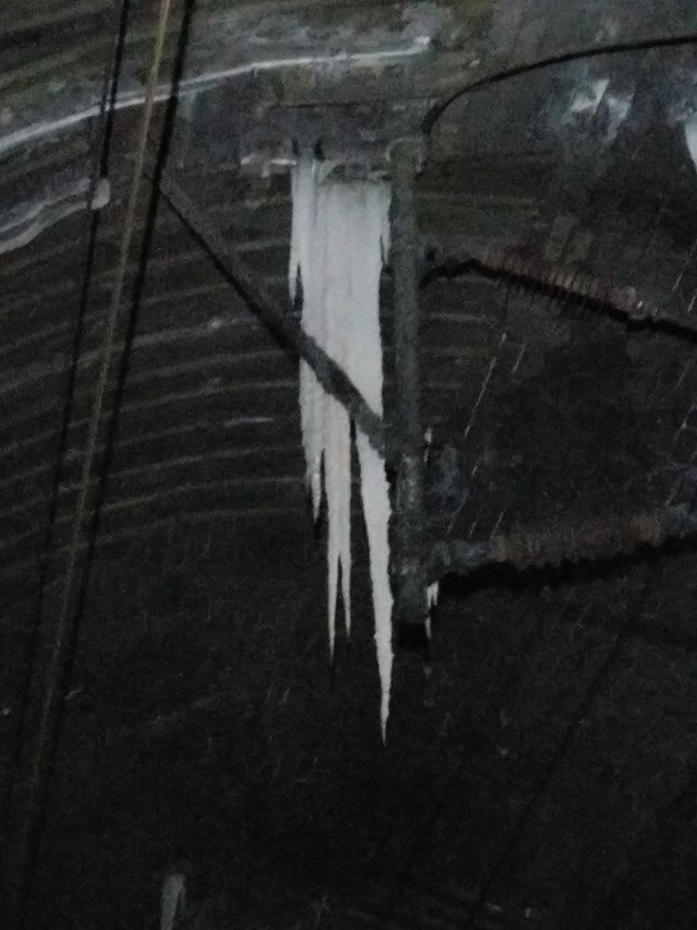 Network Rail tackles icicle threat to keep customers on the move: Kilsby tunnel icicles causing havoc