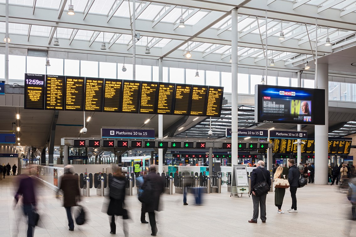 London Bridge goes digital as free Wi-Fi arrives at the station: Shard concourse at London Bridge