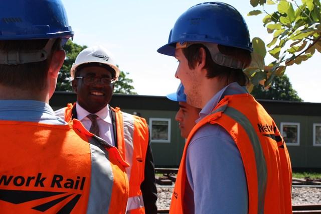 David Lammy MP meets Network Rail apprentices001