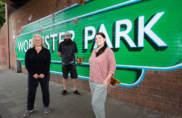 Worcester Park mural: Jennifer Frame and Kay Wallis of the Richmond House Residents Group, and artist Lionel Stanhope
