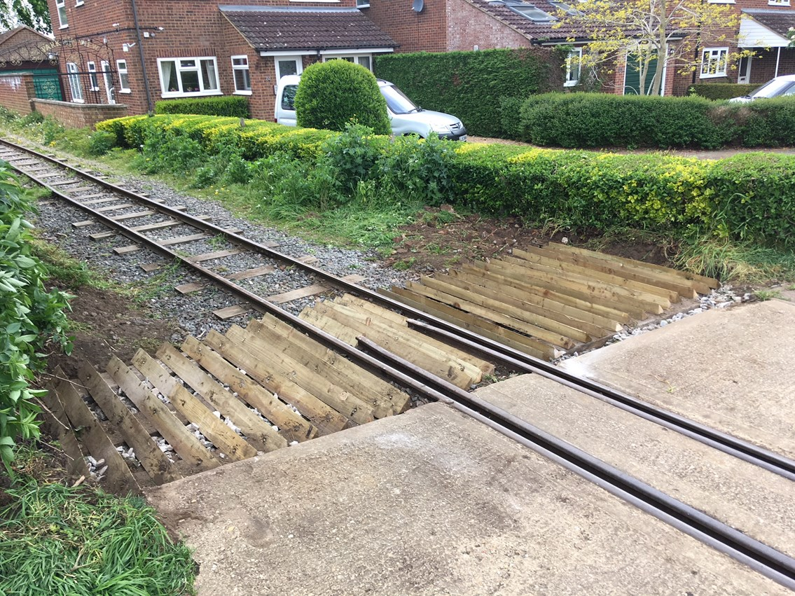 The completed anti-trespass guard on Leighton Buzzard Railway level crossing