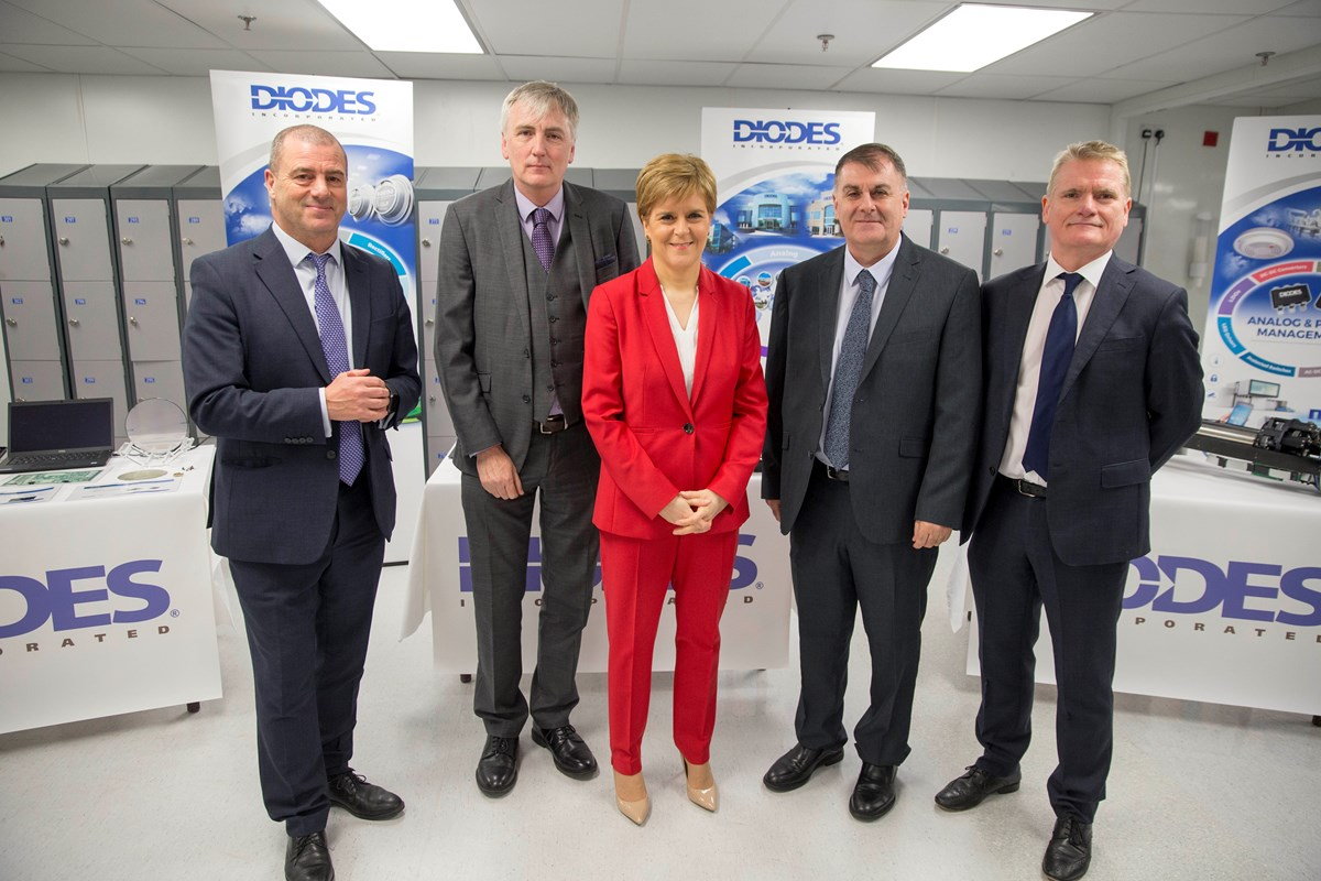 Diodes8: (L-R) Scottish Enterprise chief executive Steve Dunlop, Diodes European President Tim Monaghan, First Minister Nicola Sturgeon, Inverclyde Council Leader Cllr. Stephen McCabe and Diodes Greenock MD Gerry McCarthy