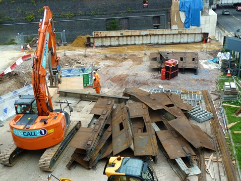 Demolished Caversham Road bridge span 18.09