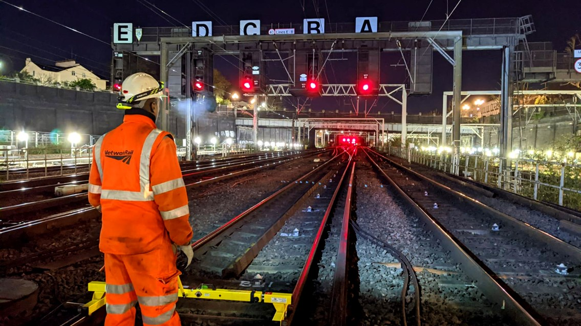 West Coast main line passengers asked to plan ahead when travelling over Christmas: Euston track work 16x9