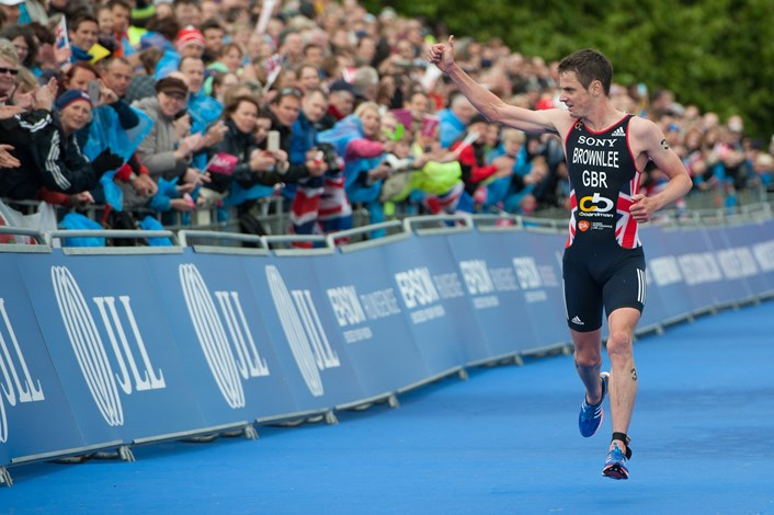 Additional 400 grandstand tickets go on sale for Columbia Threadneedle World Triathlon Leeds: jonnybrownlee.jpg