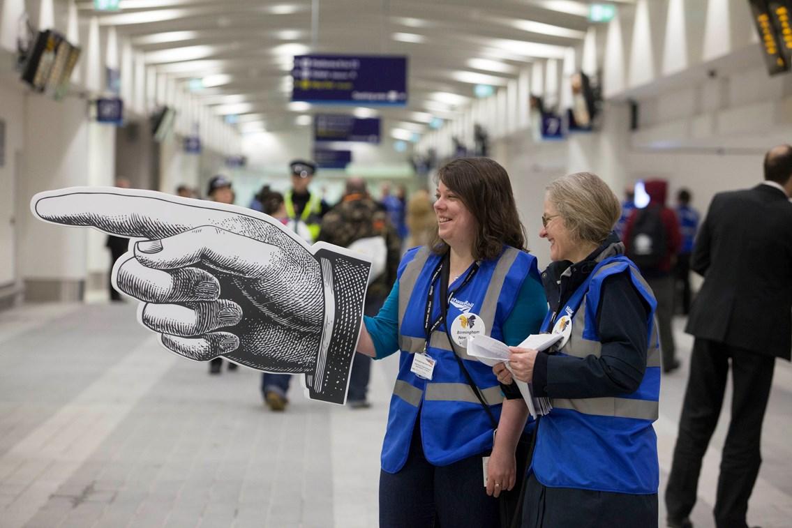 New Birmingham New Street - volunteers in action: New Birmingham New Street opens to passengers