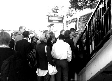 Overcrowding at West Hampstead Thameslink station