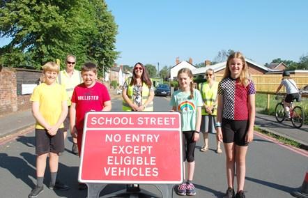 Park Lane Junior School's School Street: Staff, volunteers and pupils from Park Lane School Street