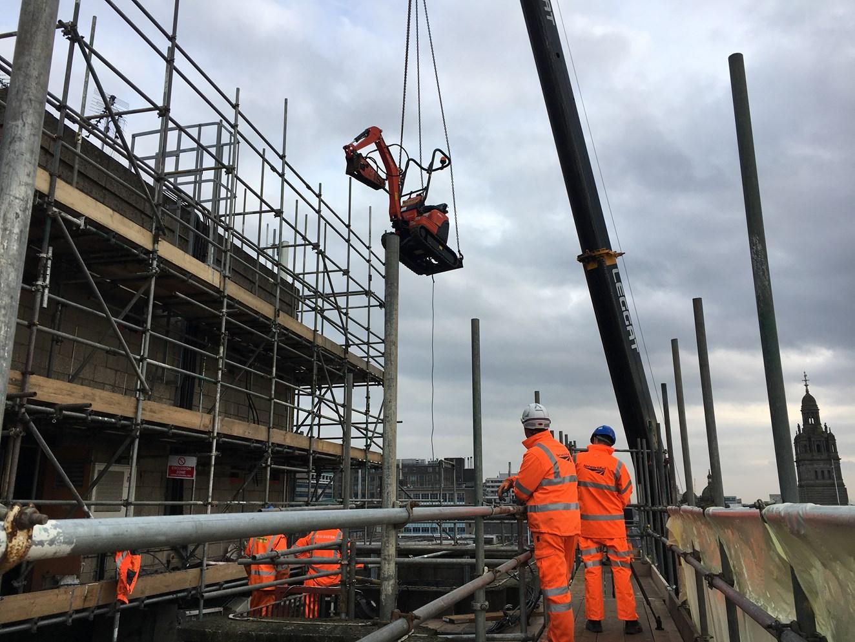 Queen Street demolition works start on a high: Glasgow Queen Street crane