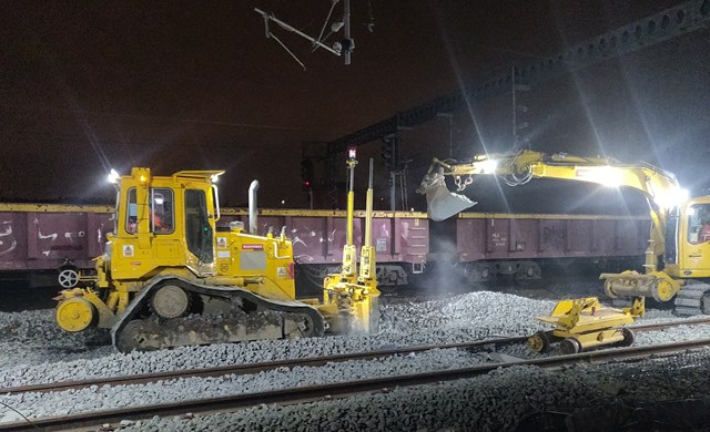 Network Rail continues to improve track in preparation for new Brent Cross West station – passengers reminded to check their journey this weekend: Track work in preparation for new Brent Cross West station