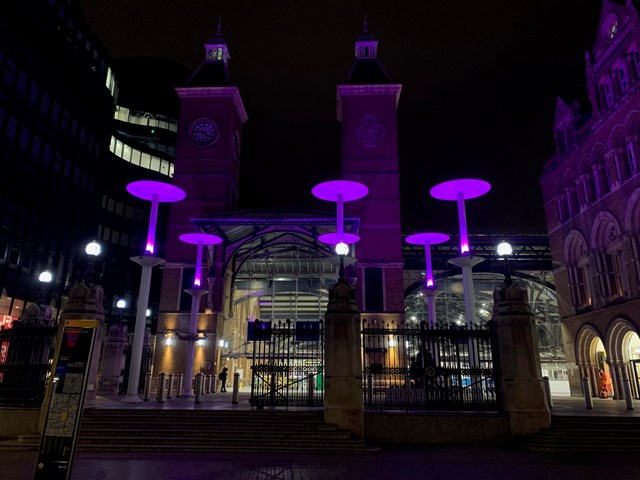 London Liverpool Street station to go purple to celebrate disabled people worldwide: LST purple light-3