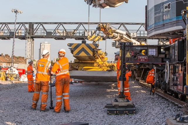 London Bridge points: Lowering a 20 tonne set of points into place at London Bridge station