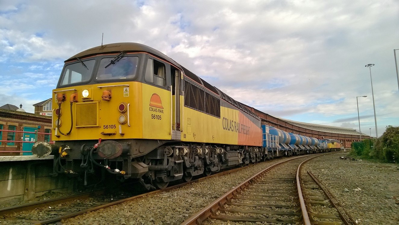 Rail industry works together to keep passengers moving this autumn: Railhead Treatment Train Holyhead