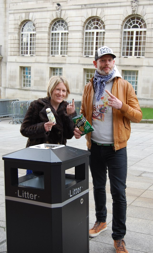 Show the love for a litter-free Leeds: cllrvennerandedplatt.jpg
