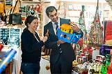 Festive Fair Trade plea: Copyright: Chris Watt 07887 554 193. www.photoshelter.com