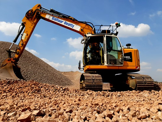 Alternative fuels trial boosts HS2 drive to cut carbon: Liebherr R920 compact excavator