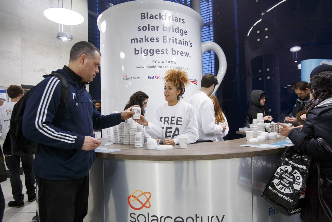 World's largest solar-powered bridge makes Britain's biggest brew for commuters: The world's biggest cup of tea - at Blackfriars station