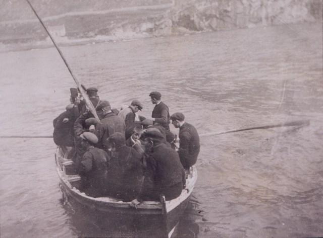 st kilda ferry boat: A St Kildan ferry boat, c1913 National Records of Scotland, GD1/713/1