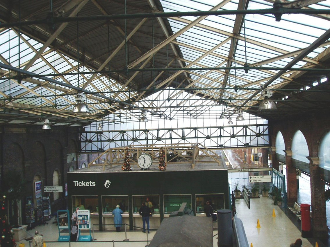 Chester station roof: Interior of the roof over Chester station concourse