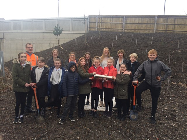Braehead Primary school making history on Kerse Road Bridge: IMG 2239