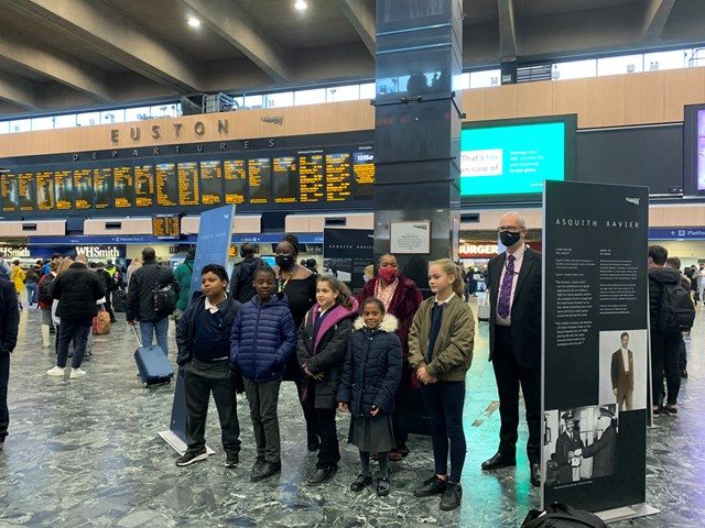 Netley Primary School pupils at London Euston's Asquith Xavier exhibition