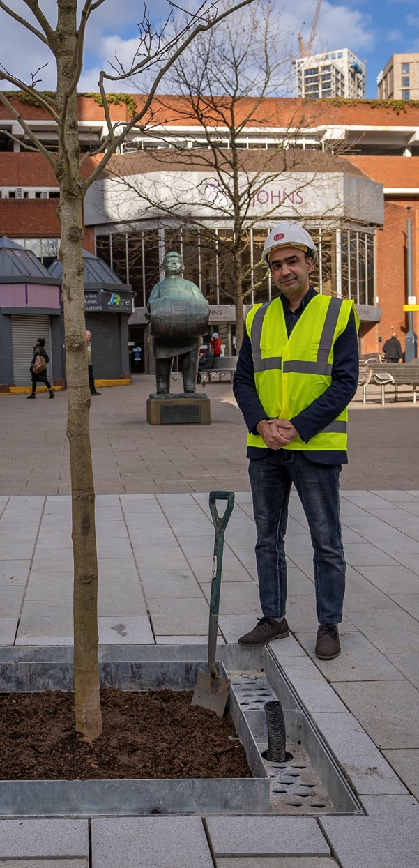 Major milestone hit on the Connecting Leeds Headrow scheme as first trees are planted: Cllr Rafique-4