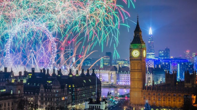 Tickets for London's New Year's Eve fireworks now on sale: 96604-640x360-nye-fireworks16-closeup-640.jpg