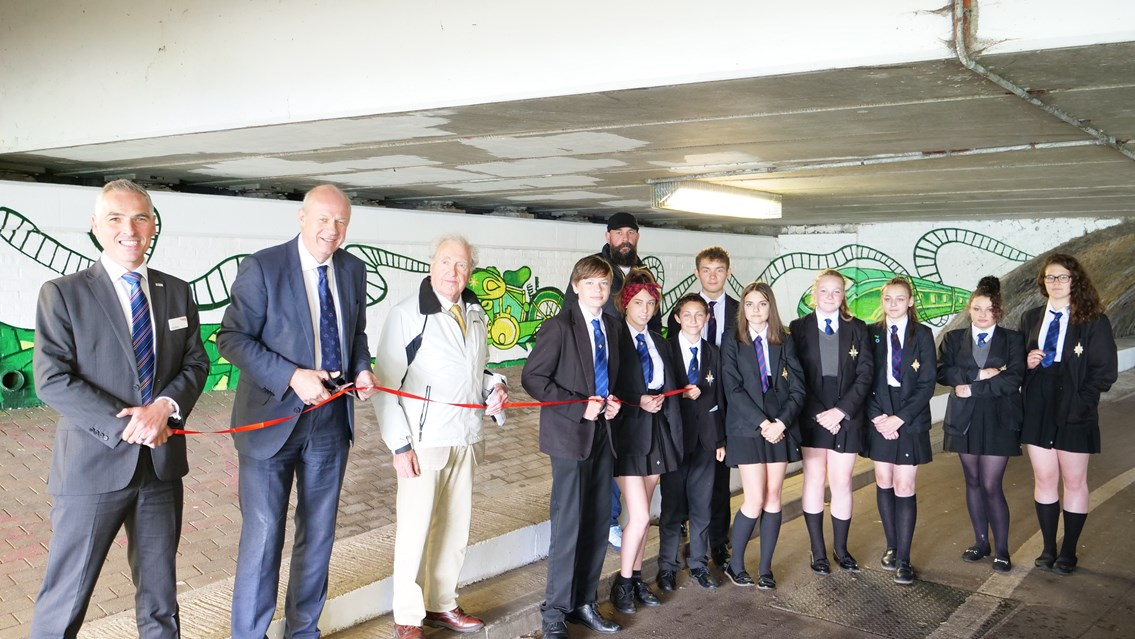 Damian Green MP unveils second mural in Ashford's Newtown Road underpass as transformation advances: P1000779