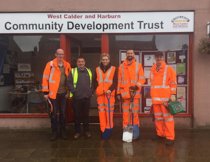 Volunteers offer rail help to community projects: West Calder-14
