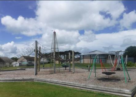 Lhanbryde playpark