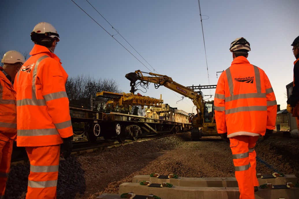 Christmas starts now for 24,000 railway engineers after successful delivery of £100m upgrade work: Maidenhead 27.12 (35)