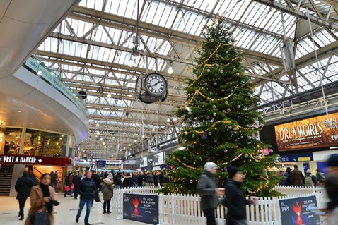 Waterloo railway station concourse - with Christmas tree and clock