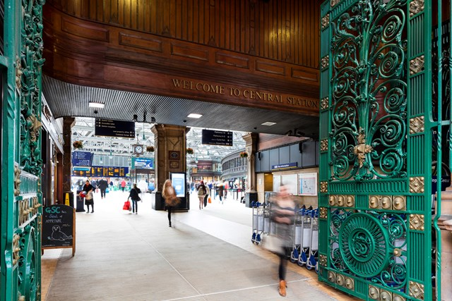 Glasgow Central - welcome sign: Glasgow Central railway station train station entrance gate