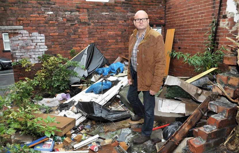 Call to action on bin yards: dsc_4689.jpg