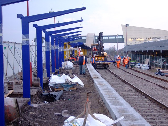 GREAT WESTERN MAIN LINE TO BENEFIT AS £2.4 BILLION RAIL EXPANSION PROGRAMME UNVEILED: Bristol Parkway Platform 4 under construction