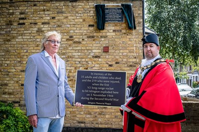 Islington unveils plaque to remember victims of 1944 V2 rocket tragedy