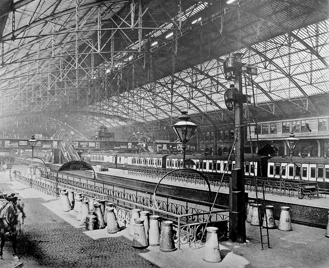 The interior of the original Birmingham New Street station
