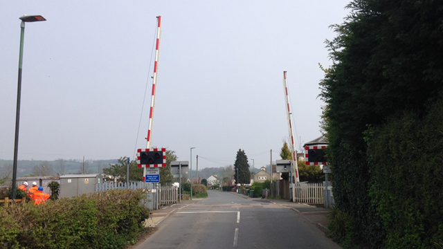 Network Rail carrying out safety improvement work in Gloucestershire this weekend: Oldends level crossing web