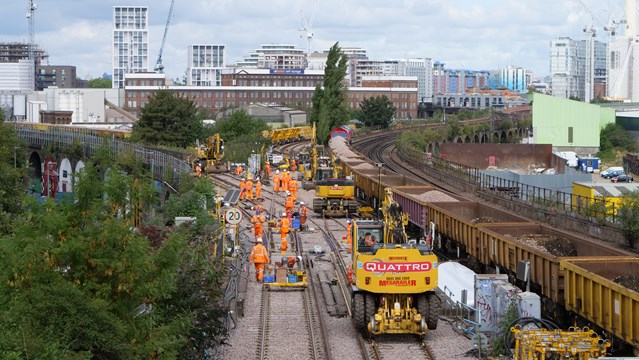 Major bank holiday engineering works completed on time in the South East: Factory Junction from Wandsworth Rd stn