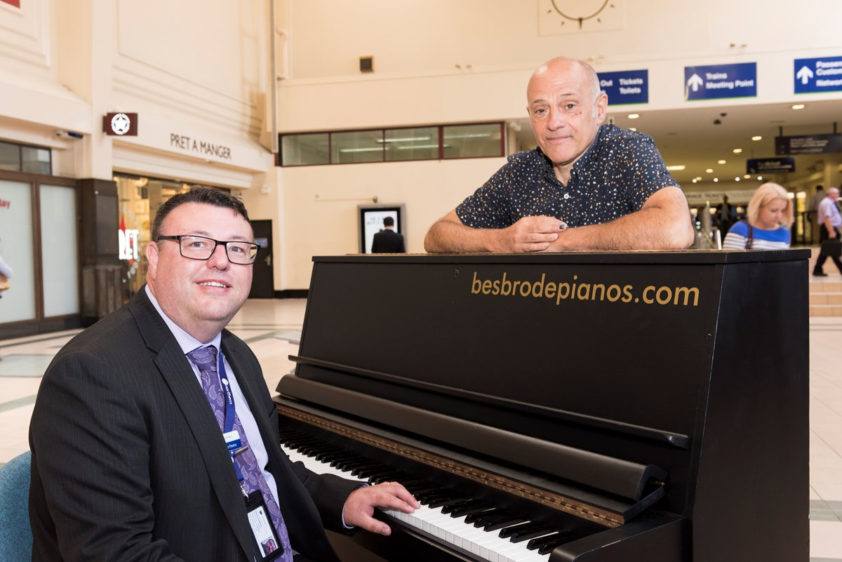 Station Manager Shaun Pearce with Melvyn Besbrode at Leeds Station