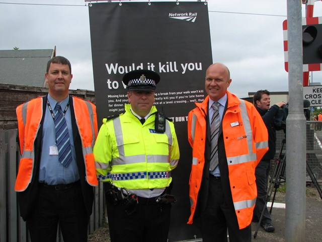 Tile shed level crossing - European day of action_002: 25 June 2009