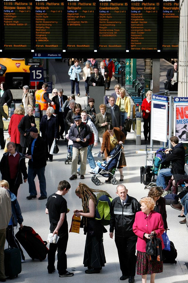 Scotland's railway enhancement programme: Waverley concourse