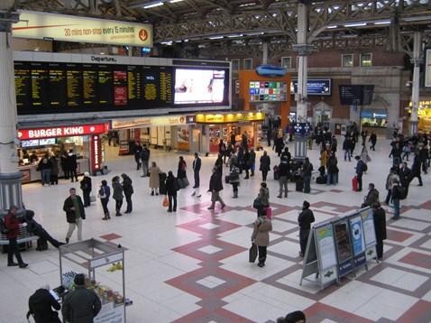 London Victoria Station_1