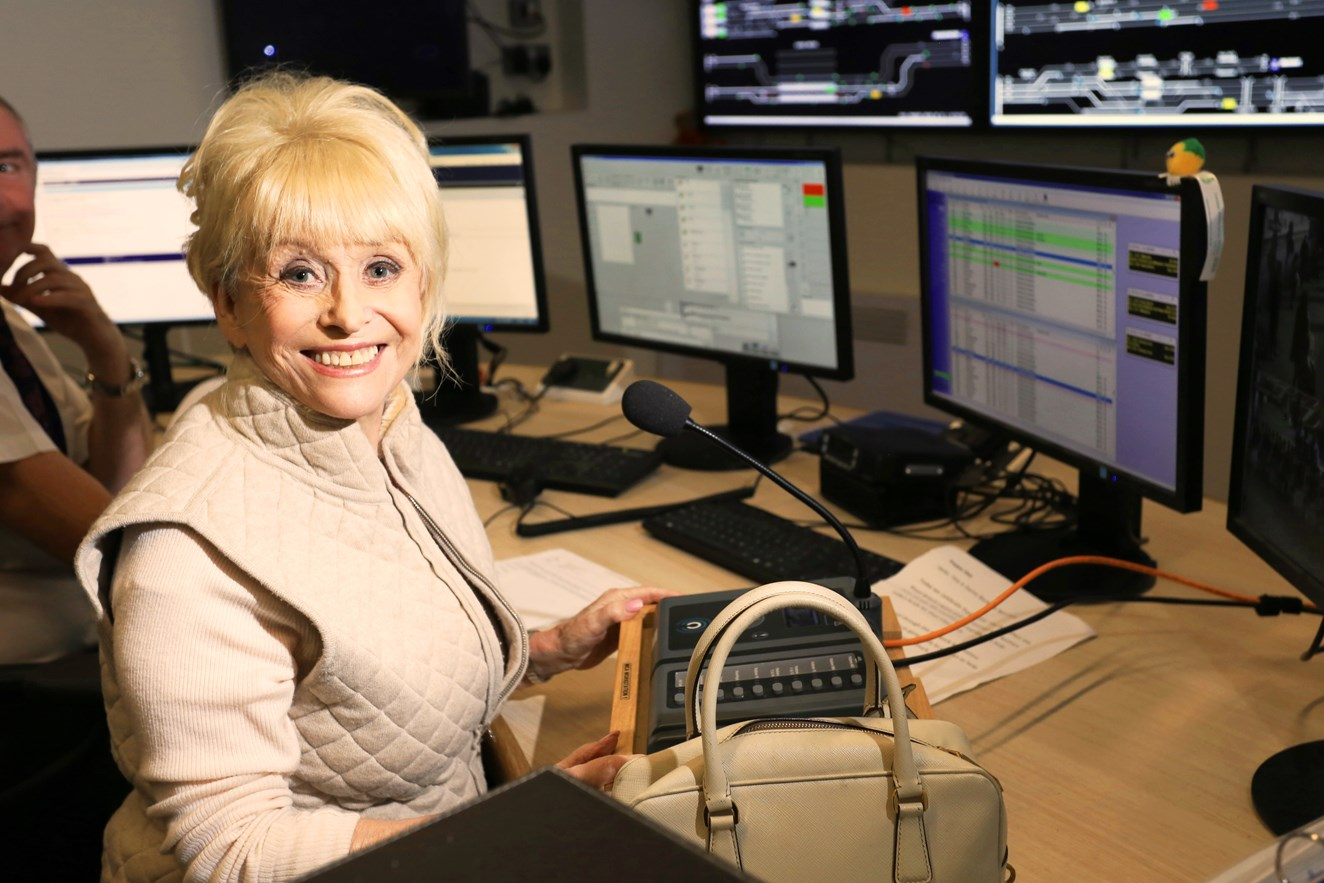 Dame Barbara Windsor and Network Rail unite to support Poppy Day Appeal: Dame Barbara Windsor in the control room at London Bridge station