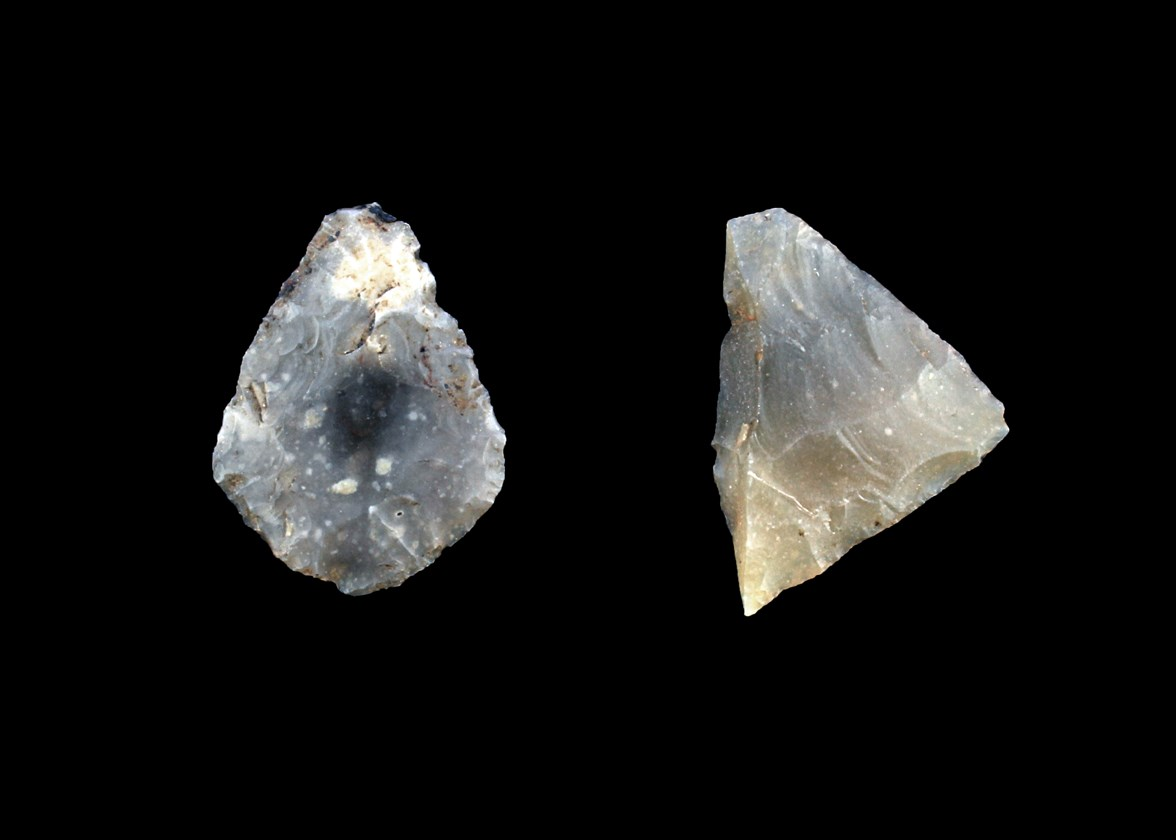 Arrowheads from Milltimber (left), and Wester Hatton (right)