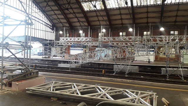 Scaffolding beams