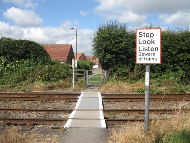New warning system improves safety at level crossing in Filey: Seadale level crossing