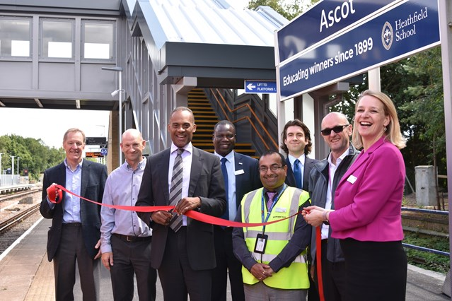 Longer platforms and new, accessible footbridge: Network Rail completes Berkshire station upgrades: Network Rail's Route Managing Director, Becky Lumlock (far right) was joined by MP for Windsor Adam Afriyie (centre), Councillor David Hilton, Royal Borough of Windsor and Maidenhead, and representatives from Osborne's  construction and South West Trains to mark the official completion of the £6.5 million fully-accessible footbridge at Ascot station