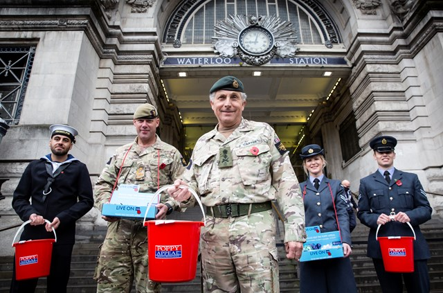 London Waterloo welcomes the Armed Forces on London Poppy Day: London Poppy Day 2020-5