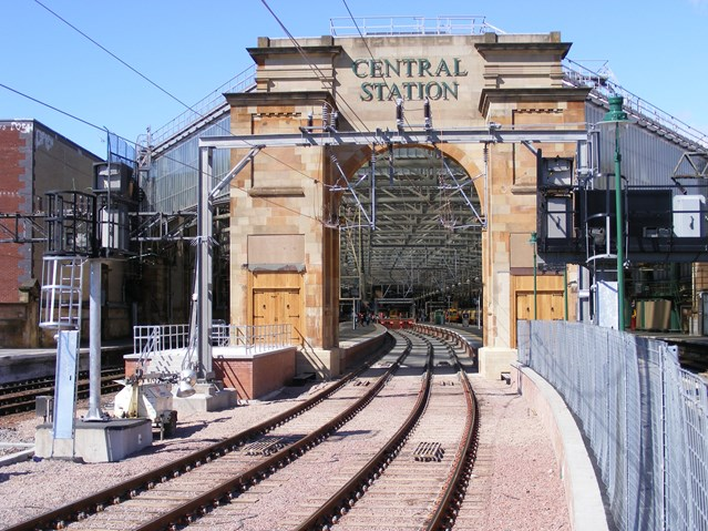 European Championships sees rise in passenger numbers at Scotland's busiest station: GlasgowCentralEntranceArch